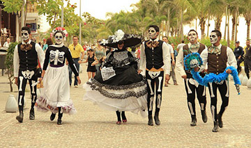 parade-day-of-the-dead-puerto-Vallarta1